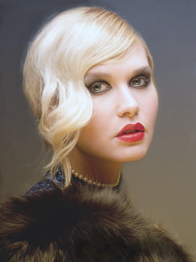 девушка, красивая, блондинка, портрет, глаза, губы, волосы, чувства, нежность, цвет, свет, жанр, жанровый портрет, гламур, человек, Постонен Екатерина