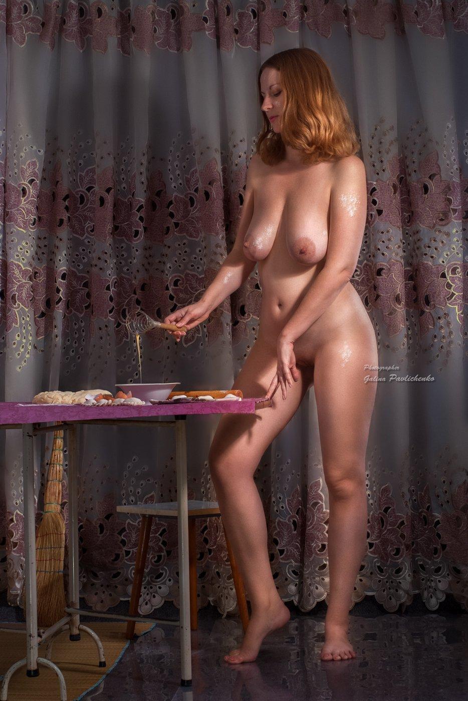 женщина , девушка , вареники , еда , мука , обнажённое тело , ню , эротика, тесто ,, Галя