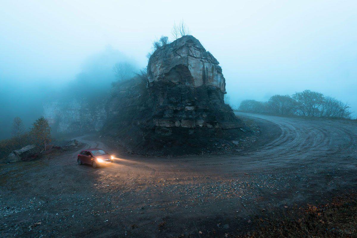 дорога, туман, машина, горы, осень,храм, кавказ,, Алексей Яковлев