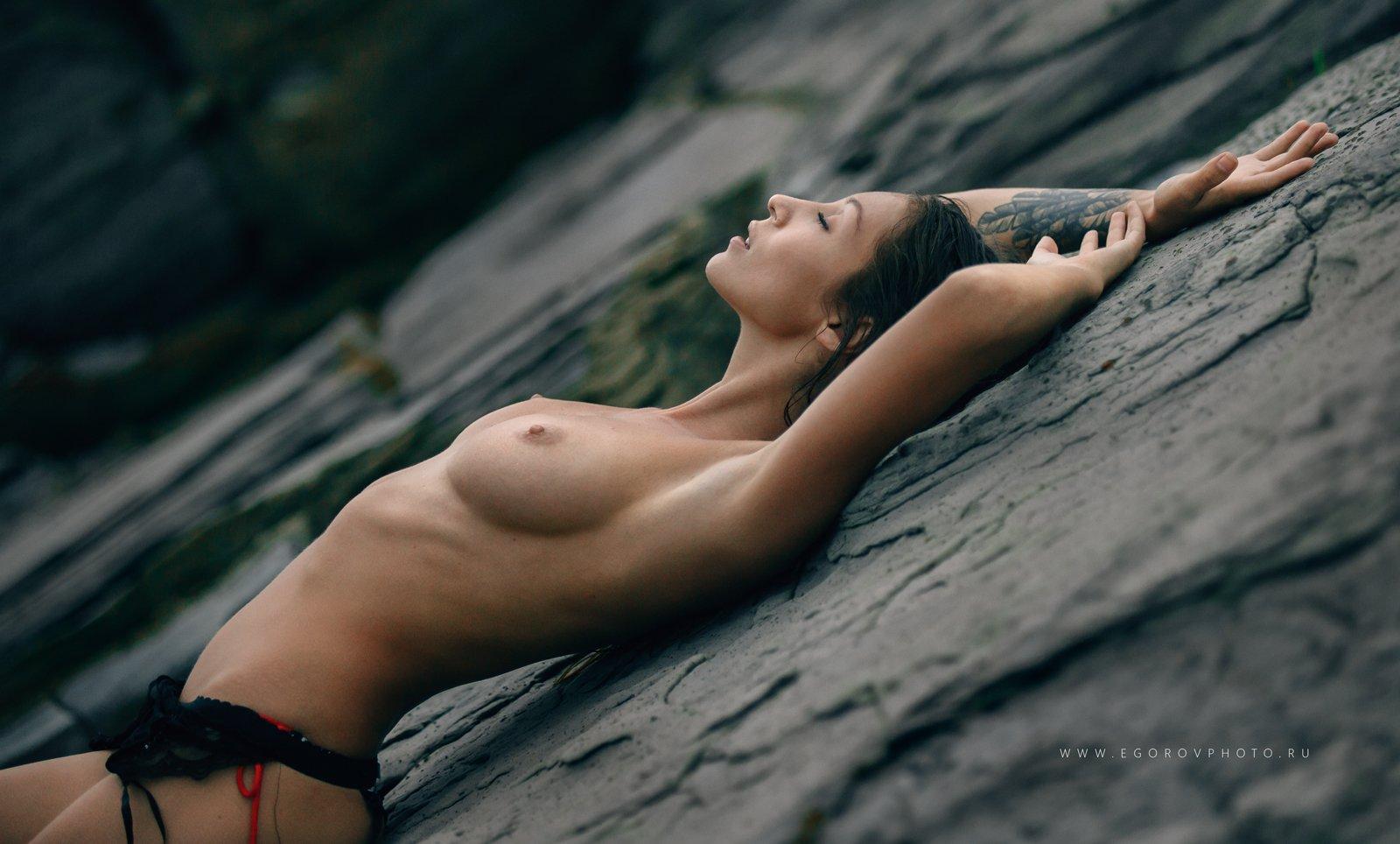 nude, Игорь Егоров