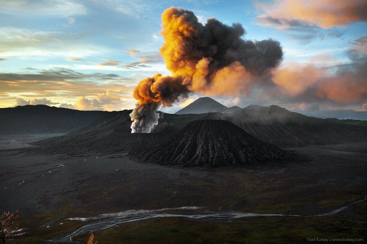 вулкан, бромо, извержение, индонезия, лава, дым, кальдера, остров, ява, Владимир Куцый