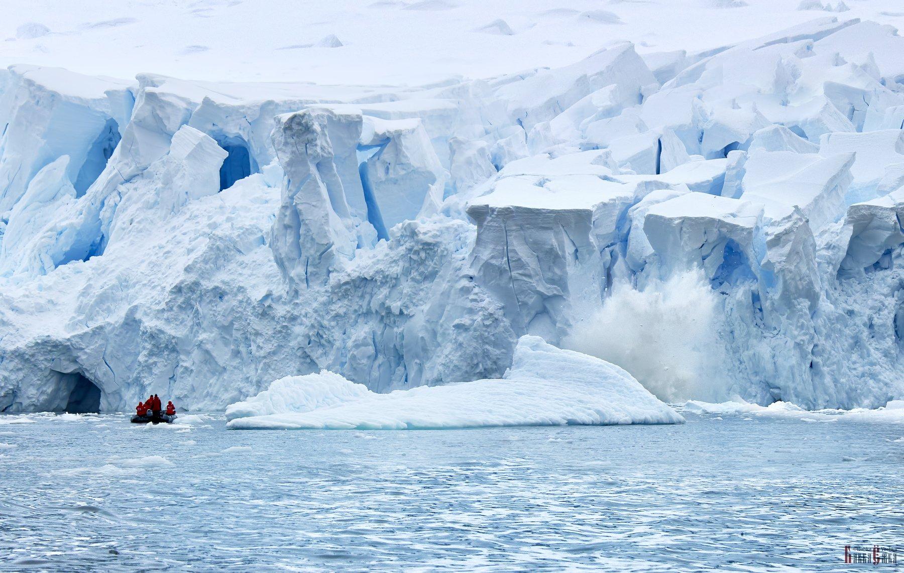 Antarctic, boat, ocean, zodiac, danger, ice, mountains, breaking ice, splash, Babka Yoshka (в миру - Сергей)