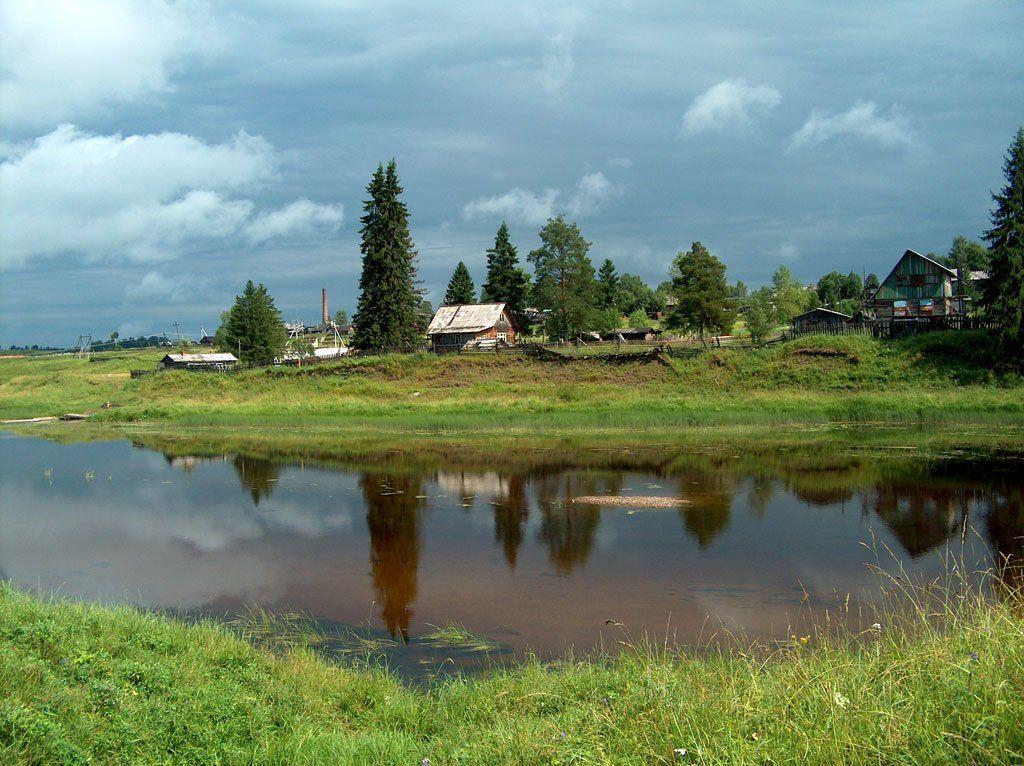 река, природа, вель, архангельская обл. дома, тучи, отражения, Юрий Соколков