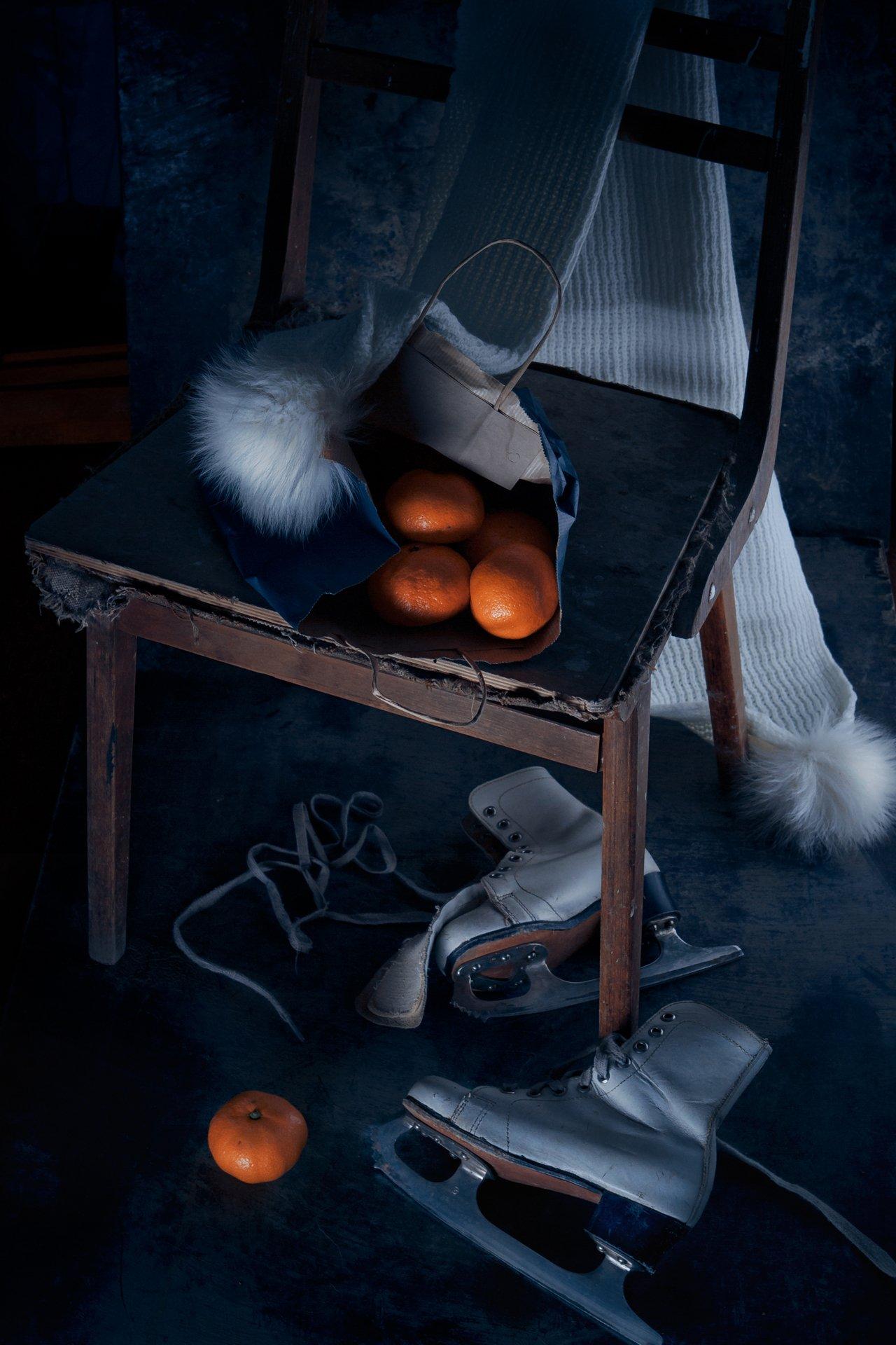 мандарины, коньки, шарф, натюрморт, зима , Наталья Голубева