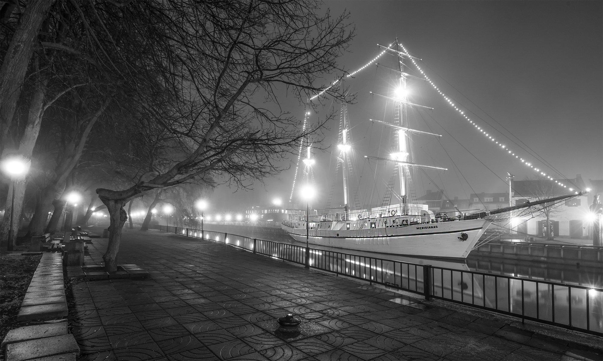 sailboat,klaipėda ,fog, Daiva Cirtautė