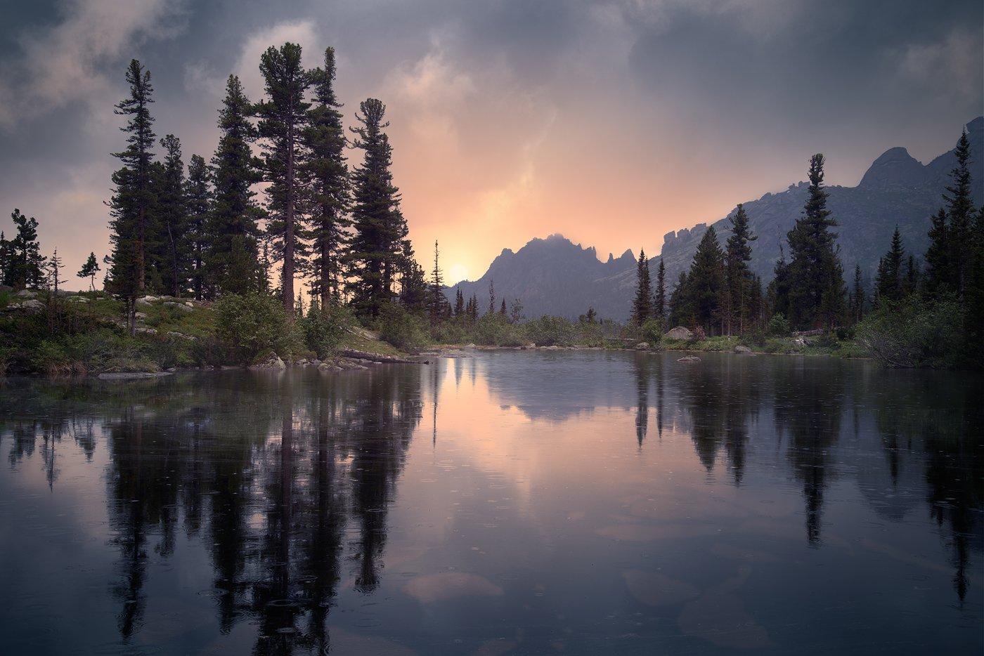 пейзаж, природа, озеро, холодное, дно, камни, отражения, вечер, закат, отражения, национальный, парк, Ергаки, Красноярский край, сибирь, туризм, отдых, горы, скалы, высокий, красивый, большой, Дмитрий Антипов