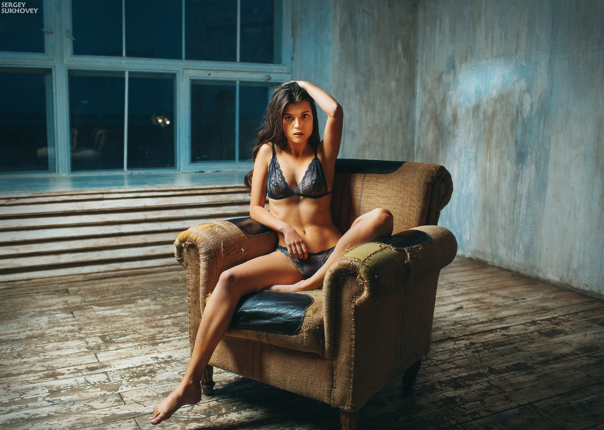 кресло, девушка, белье, лофт, Сергей Суховей
