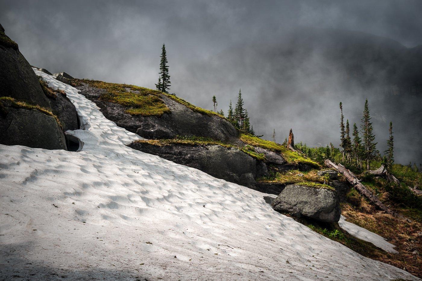 природа, пейзаж, горы, камни, снег, тает, скалы, холодный, высокий, большой, ергаки, саяны, сибирь, красноярский край, туман, облако, непогода, Дмитрий Антипов