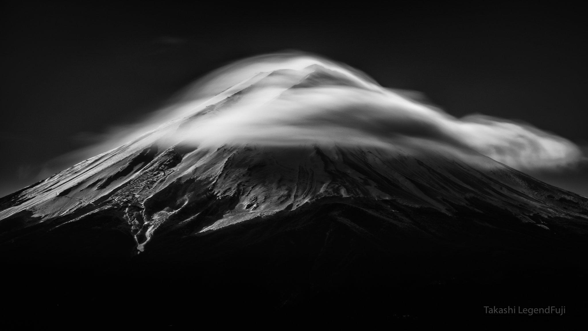 fuji,mountain,japan,cloud,lenticular,snow,black & white,monochrome,simple,amazing,fantastic,wonderful,landscape,, Takashi