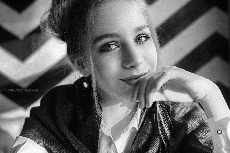 портрет, черно- белое, смышляев, дневной свет, девушка, daylight, blackandwite, smyshlyaev, Андрей