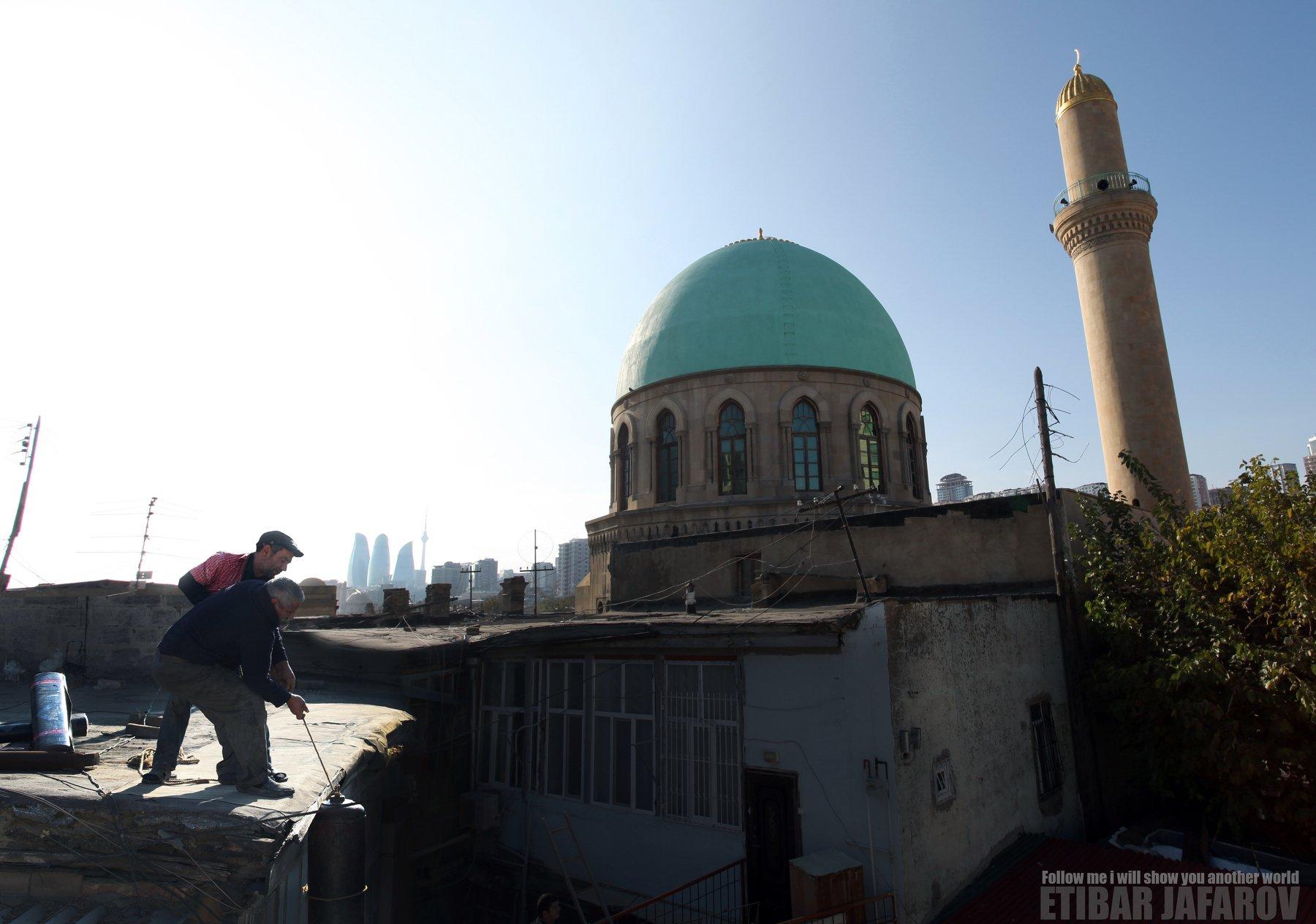 Люди из трущоб , ETIBAR