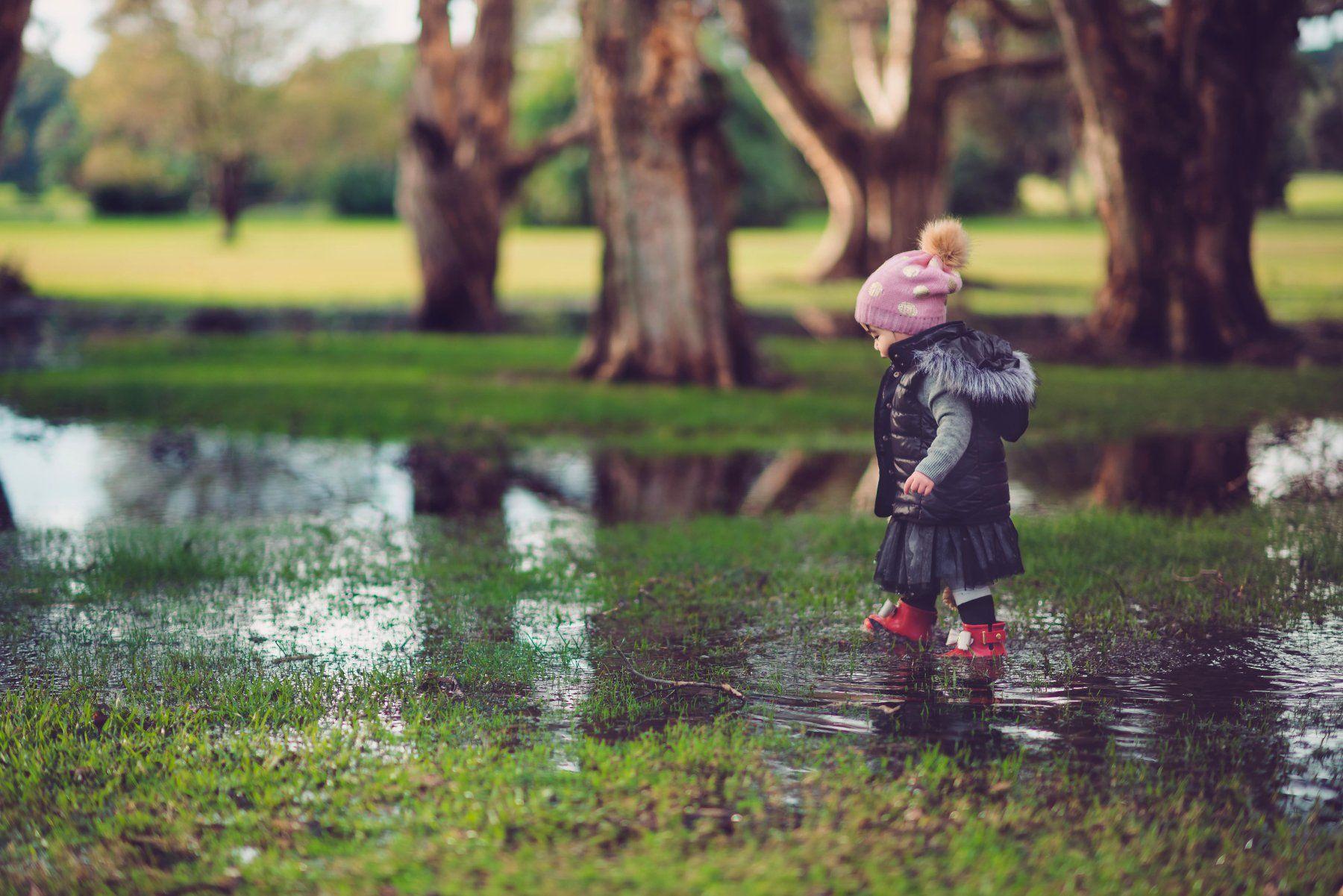 kid, child, girl, wet, rainy, adventurer, park, Derek Zhang