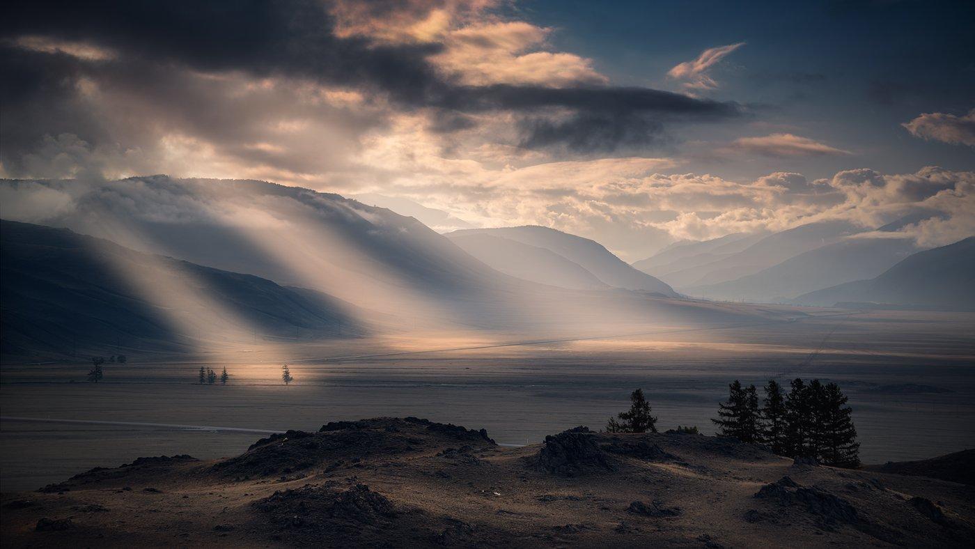пейзаж, природа, утро, раннее, восход, рассвет, лучи, свет, горы, высокий, большой, красивая, степь, курай, алтай, сибирь, далекий, широкий, дымка, туман, Дмитрий Антипов