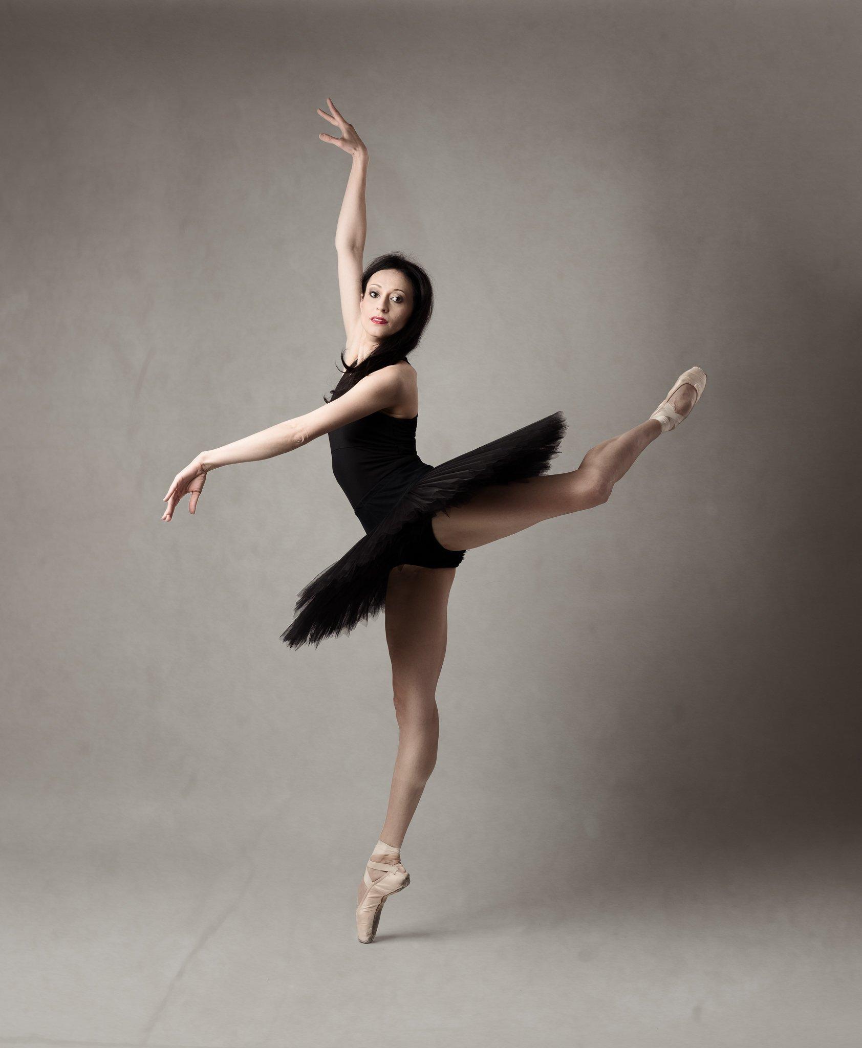 ballet, dancer, posing, studio, ballerina, Saulius Ke