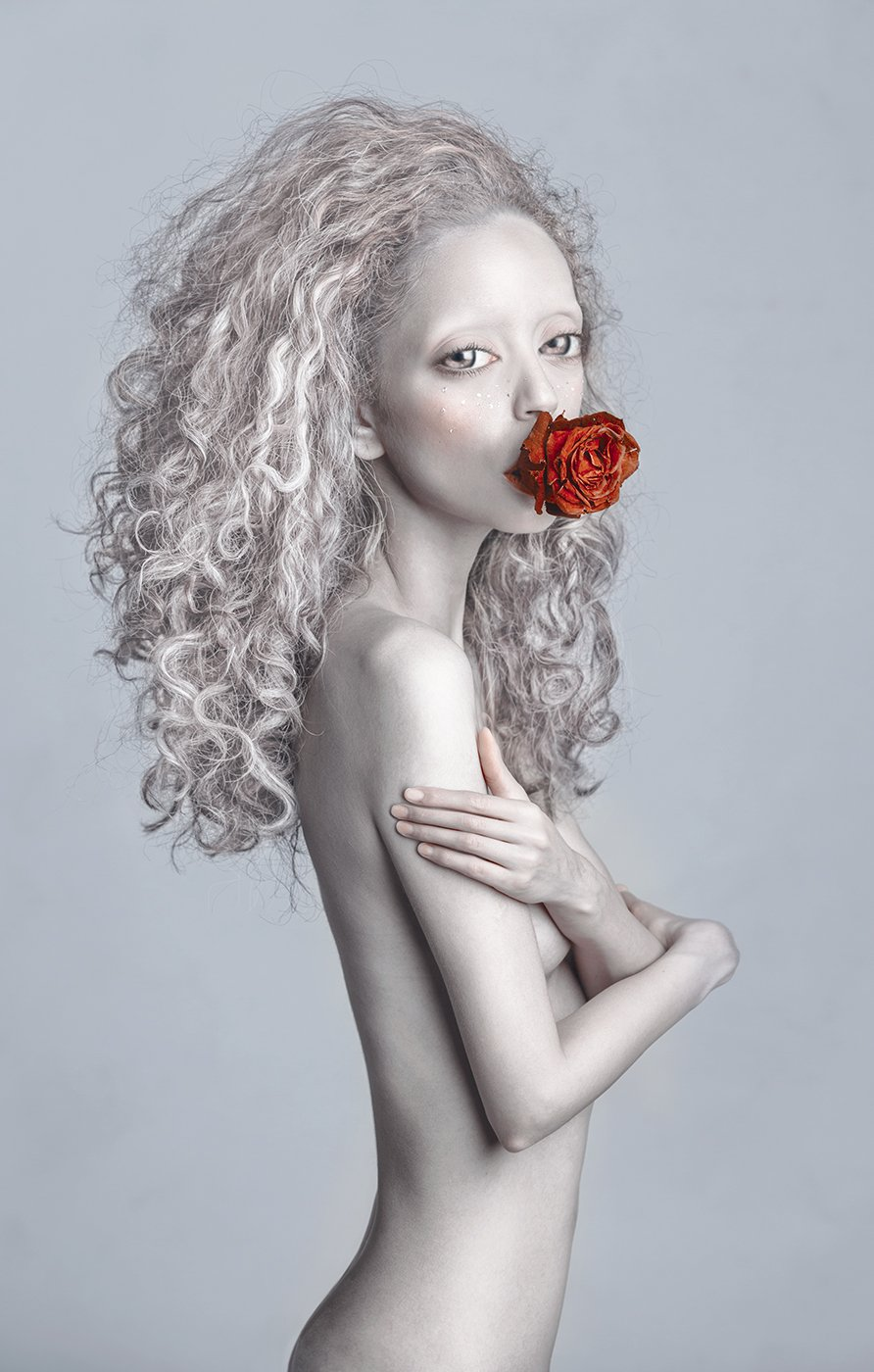 photoshop, red and white, Dasha Chegarovskaya