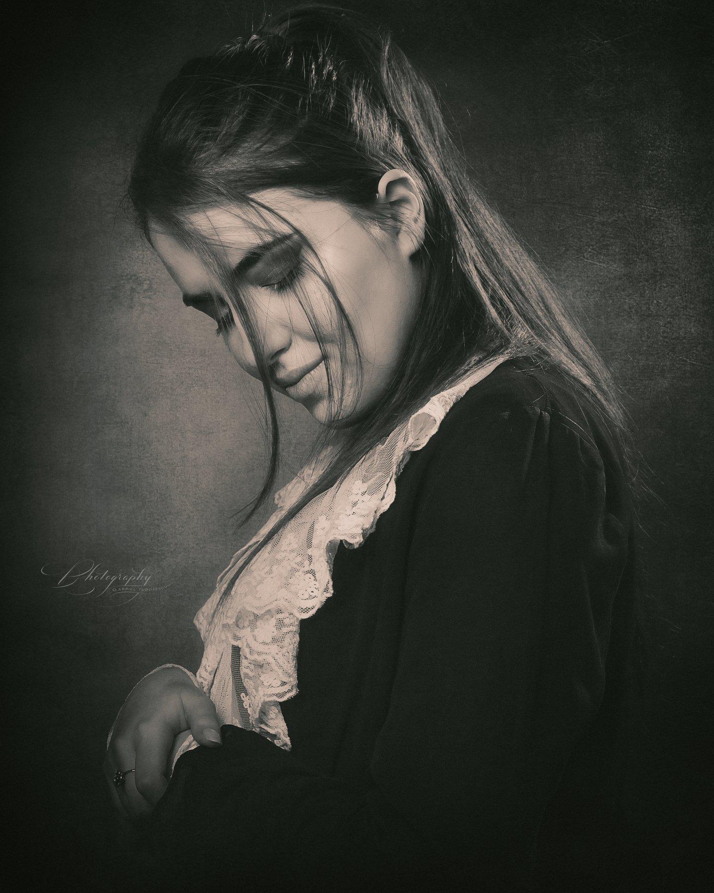 portrait, black & white, Gabriel Tudosescu EFIAP