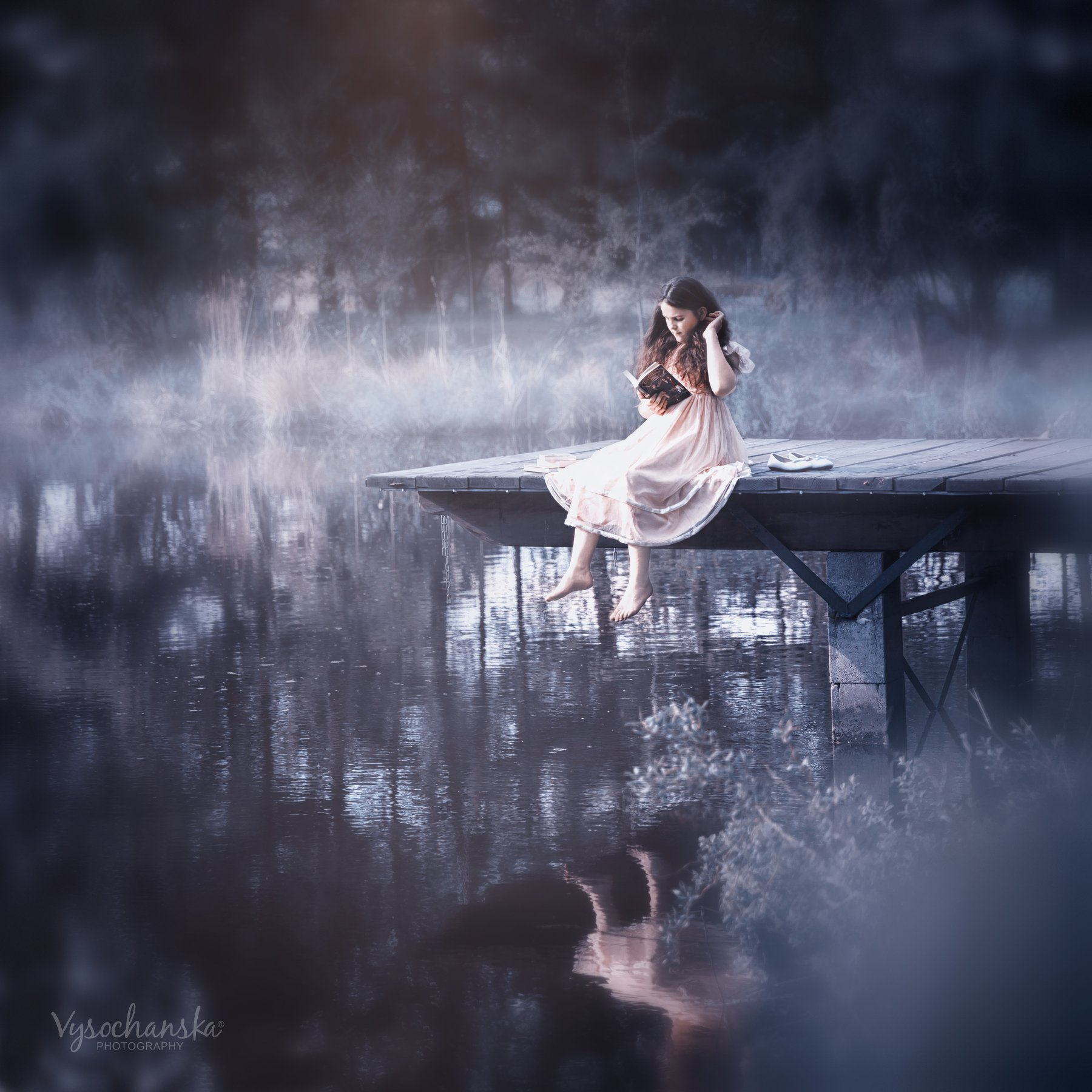 girl, night, moonlight, reading, lake, forest, book, Vysochanska Photography