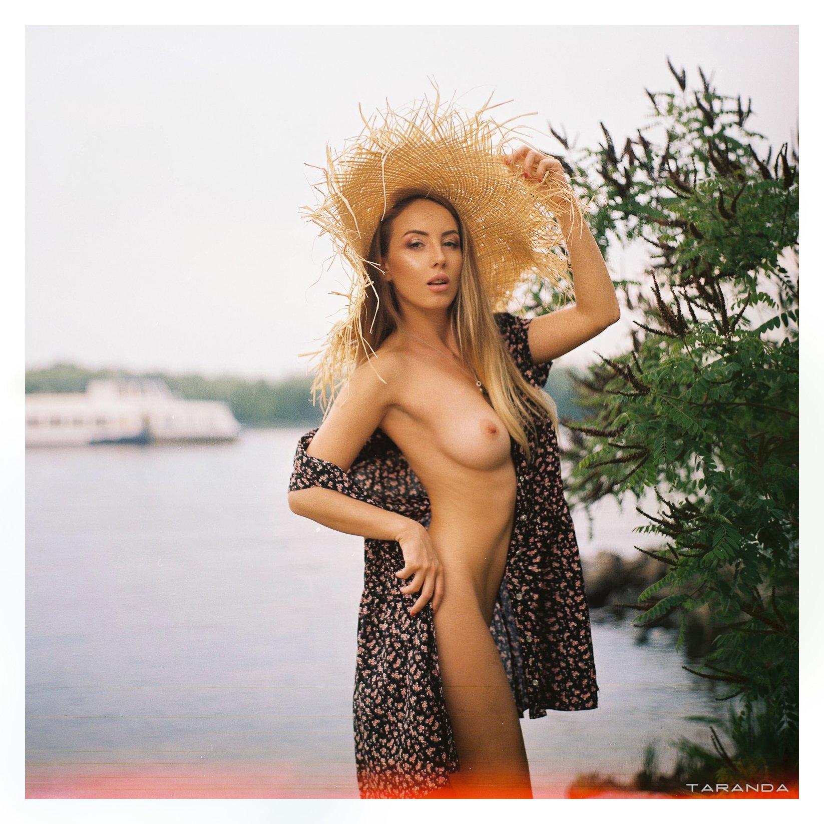girl, kiev, ukraine, village, portrait, nu, nude, hat, film, kodak, portra, sweet, sexy, Тарас Таранда