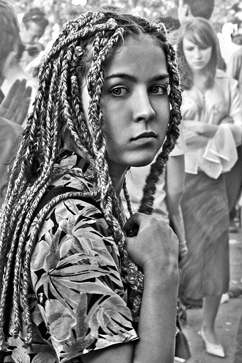 апатиты, девочка, портрет, взгляд, глаза, девушка, чб, город, Николай Смоляк