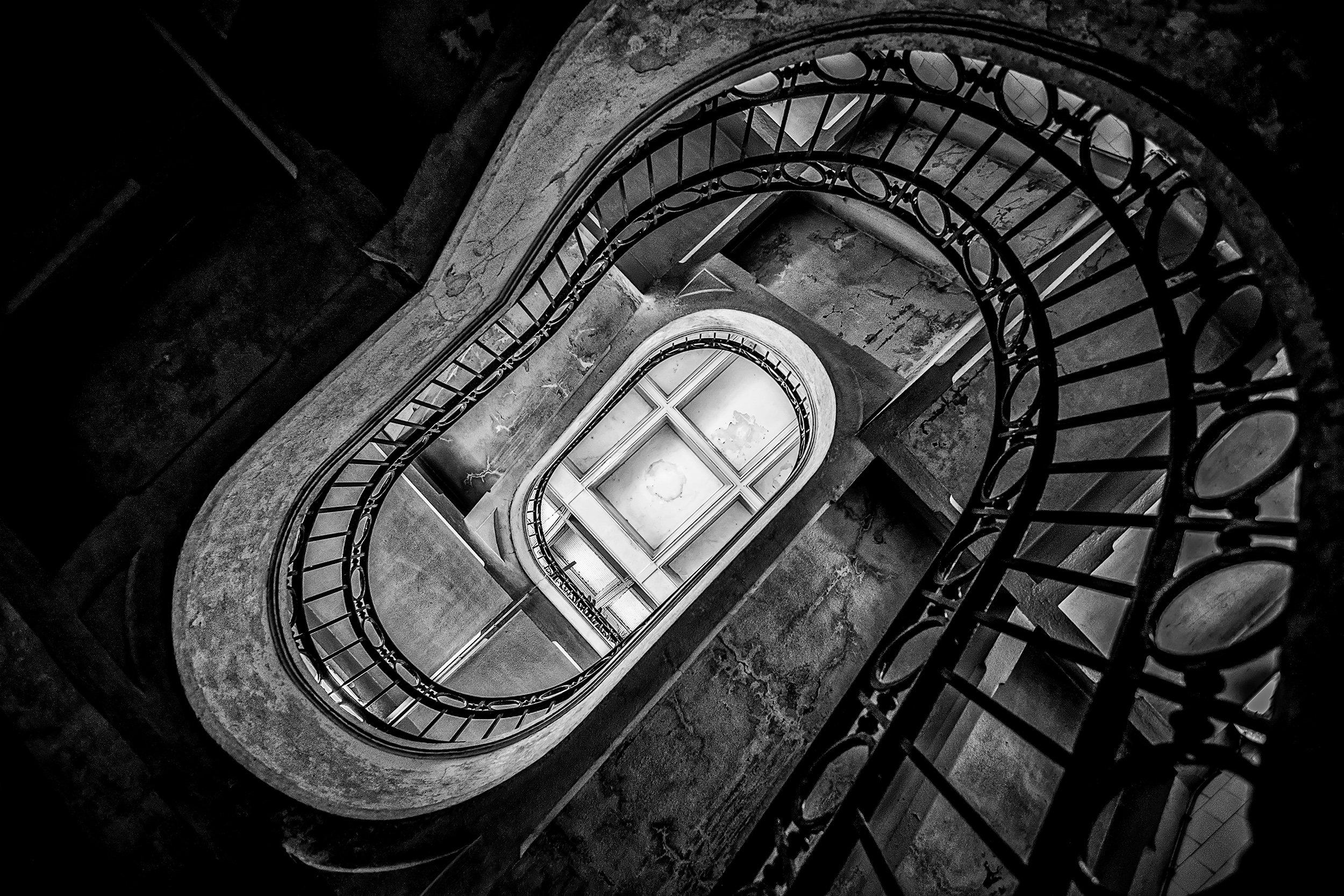 oporto, stairs, bnw, architecture, metal, concrete, center, round, oval, light´s, shadows, Antonio Bernardino