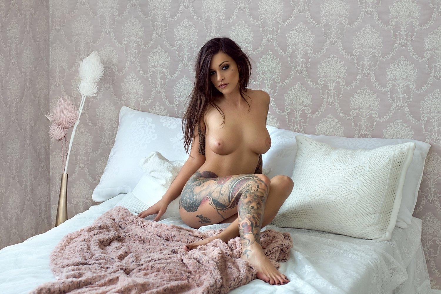 model, nude, naked, glamour, woman, female, colour, body, sexy, sensual, natural light, curves, portrait, erotica, fine art, tattoo, bedroom,, Lajos Csáki