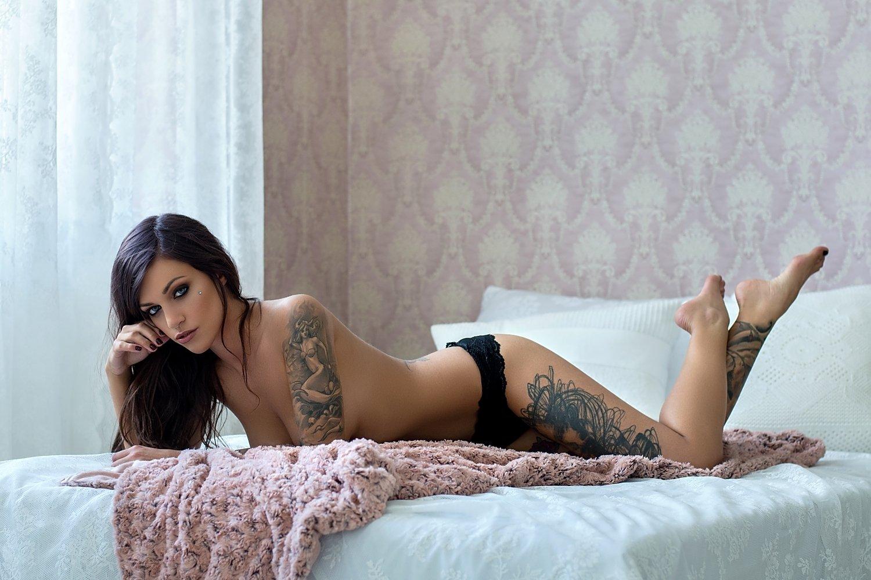 model, glamour, woman, female, colour, body, sexy, sensual,  curves, portrait, erotica,  fine art, lingerie, legs, tattoo, bedroom, natural light,, Lajos Csáki