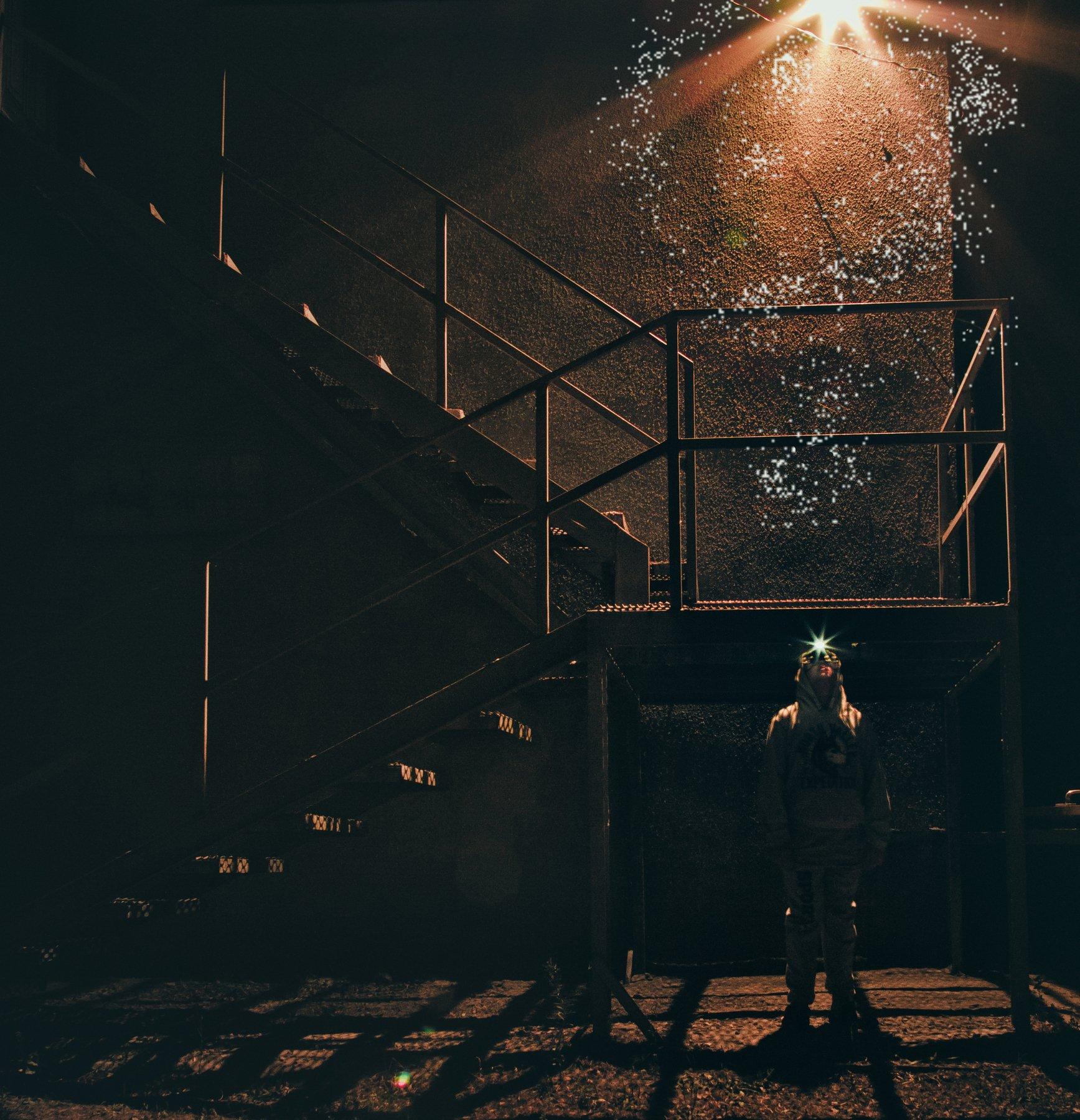 мальчик, ребенок, свет, улица, фонарь, лестница, , Наталья Голубева
