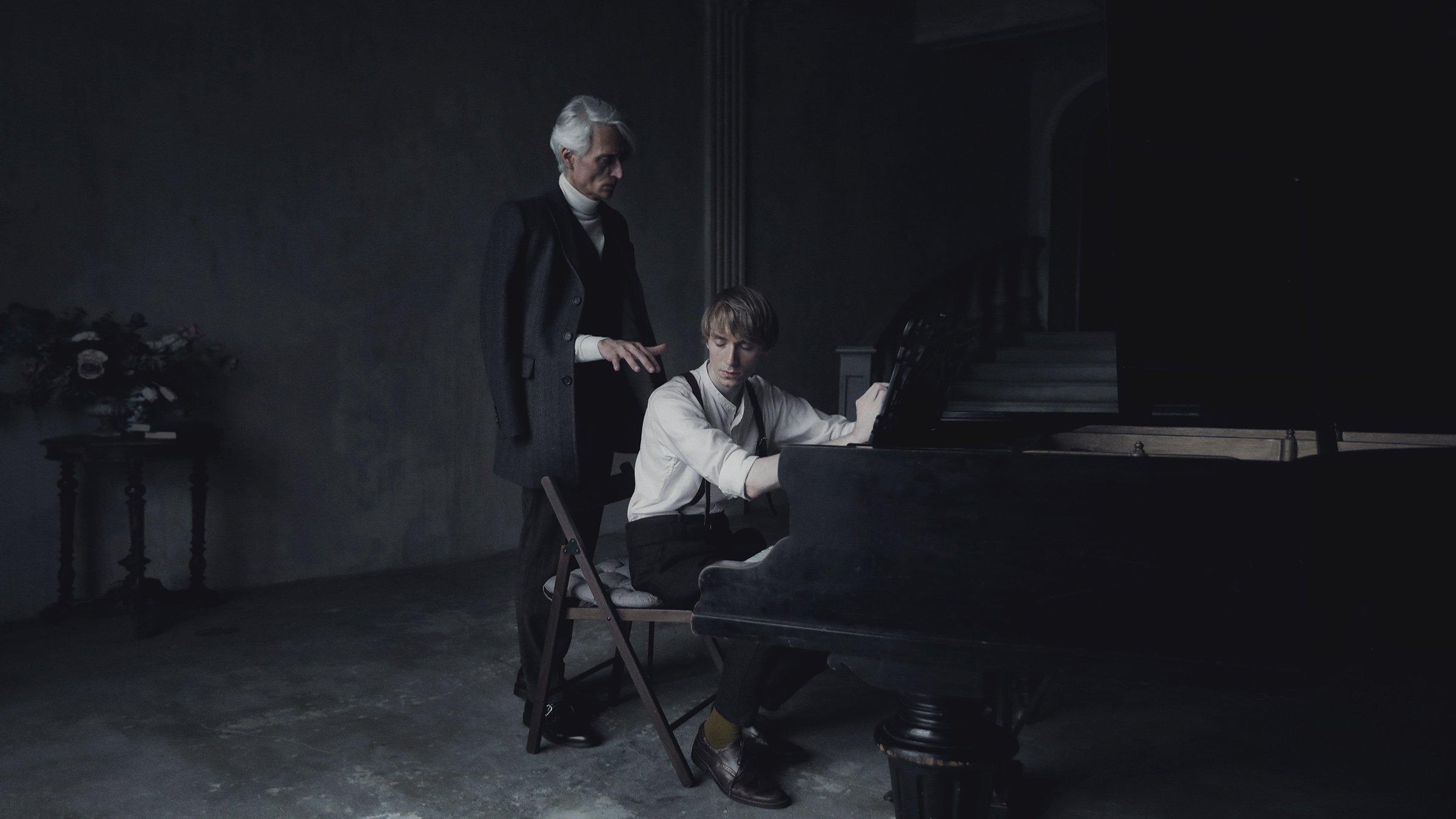 пианист, жанр, портрет, история, фильм, старый рояль, назад в прошлое, Сергей Спирин