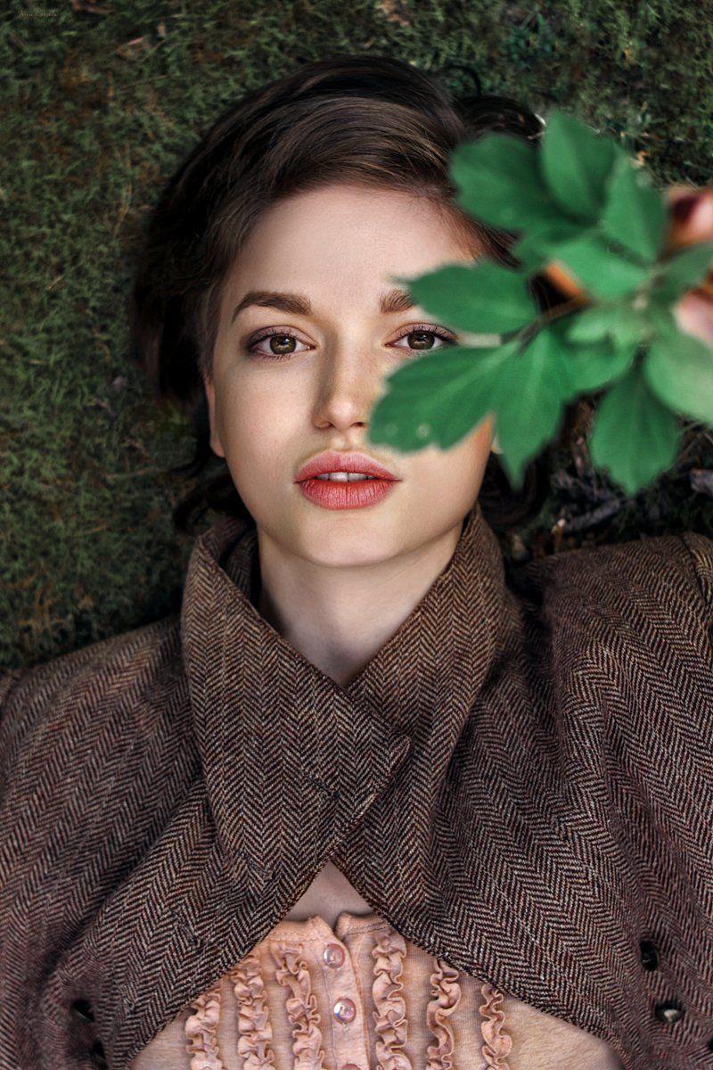 люди, девушка, лицо, портрет, глаза, природа, мох, текстура, губы, взгляд, красота, молодость, картинка, кино, Ковалёв Иван