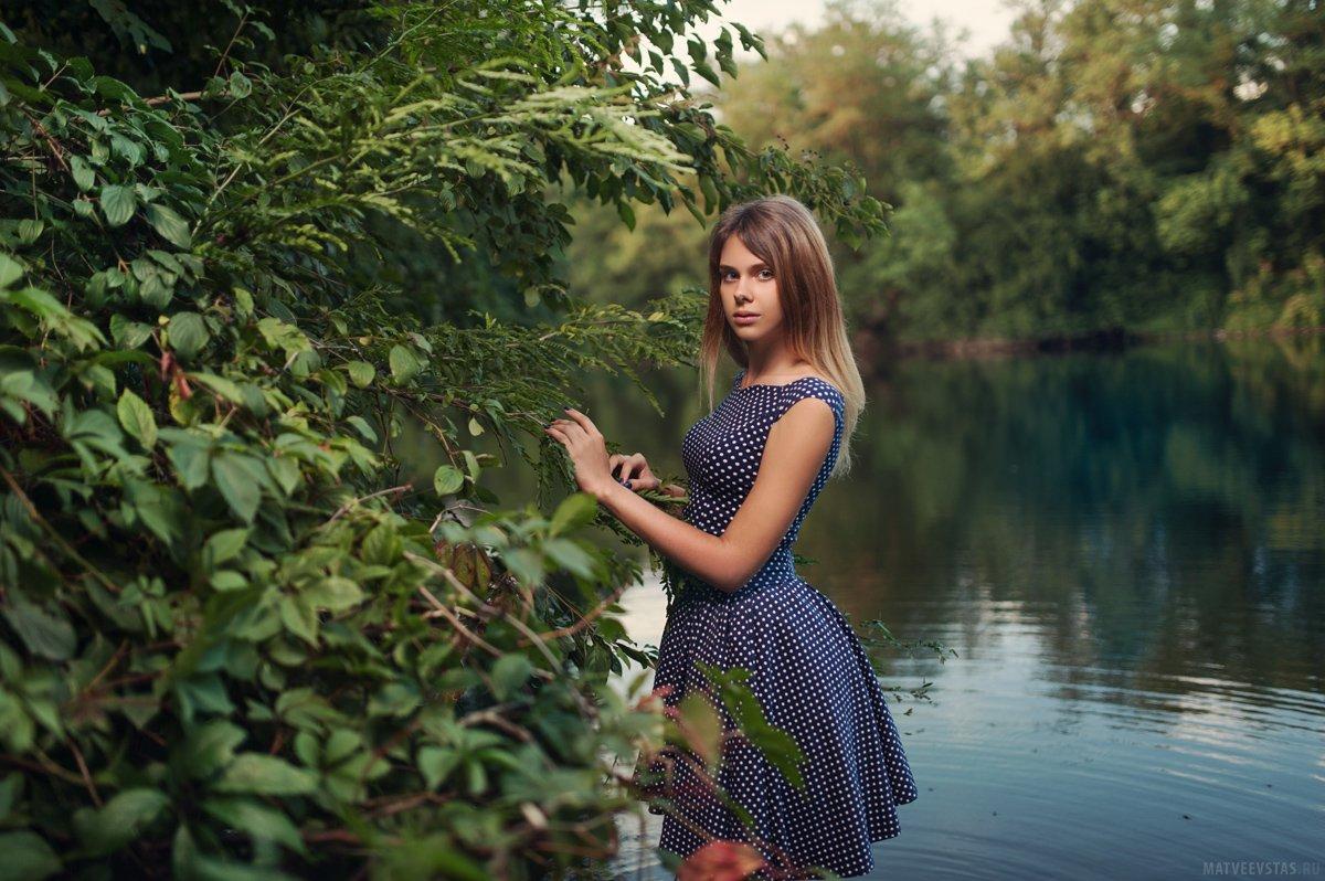 озеро, вода, модель, листья, кусты, деревья, платье, вечер, Матвеев Стас