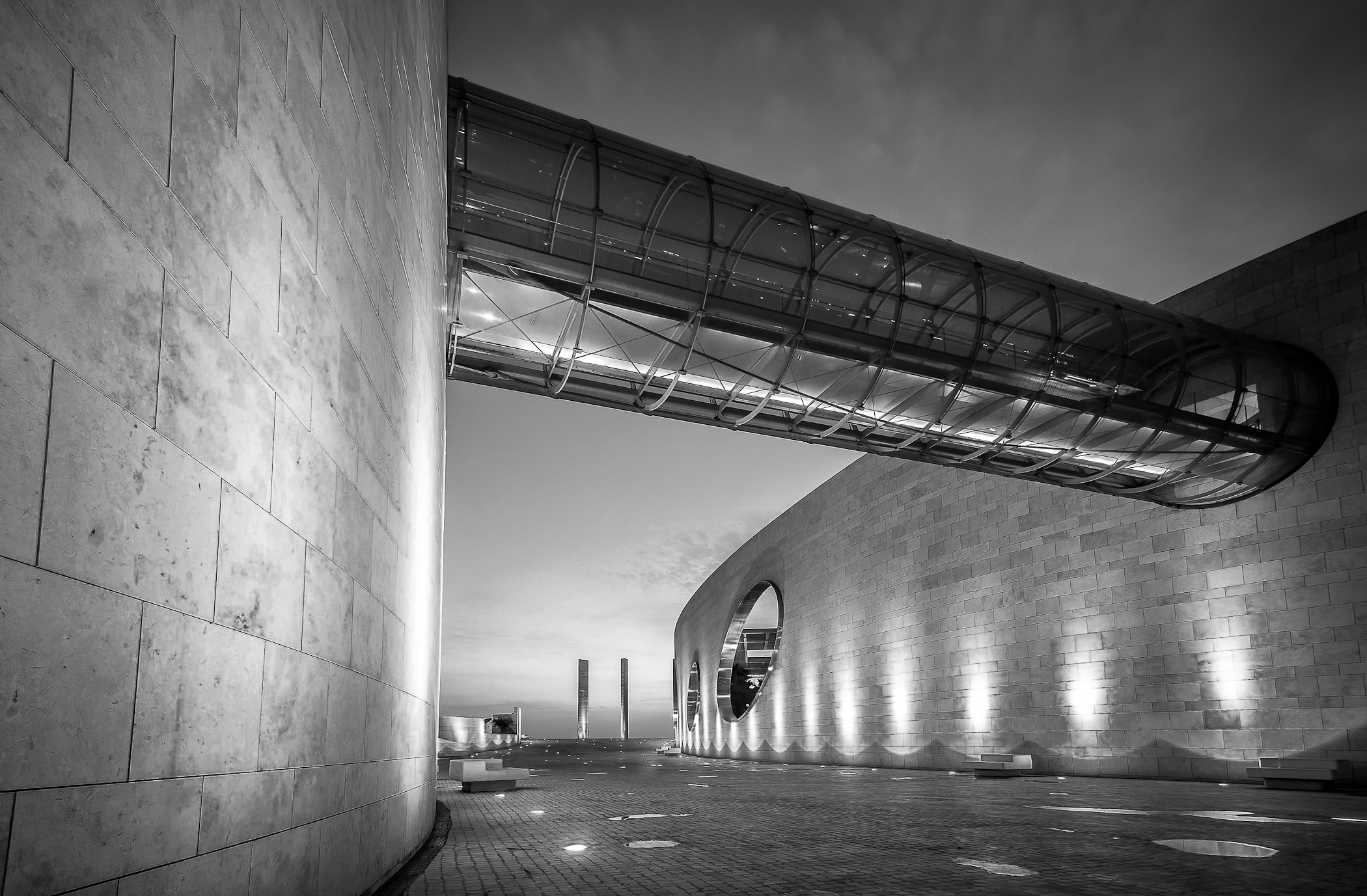 city, architecture, bnw, Lisbon, Portugal, night, lights, glass, metal, Antonio Bernardino