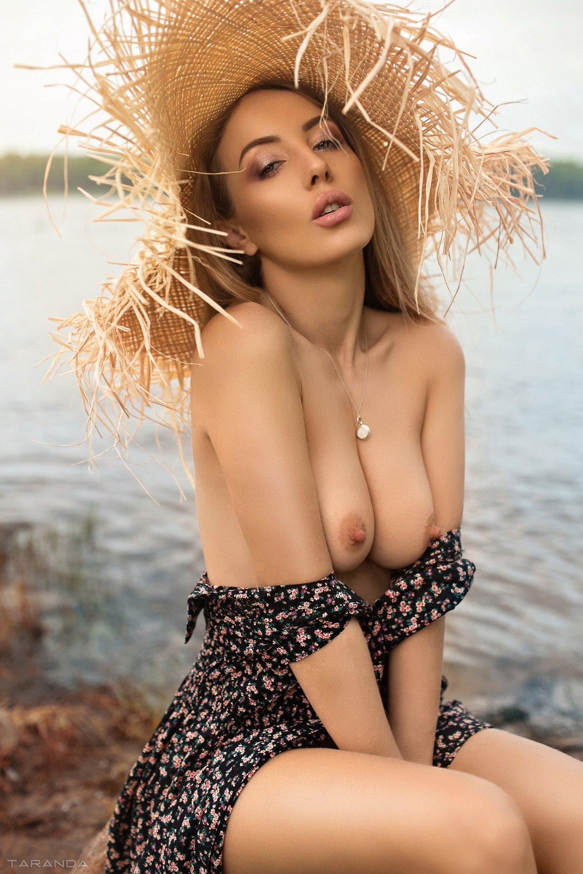 girl, kiev, ukraine, village, portrait, nu, nude, hat, sweet, sexy, river, Тарас Таранда