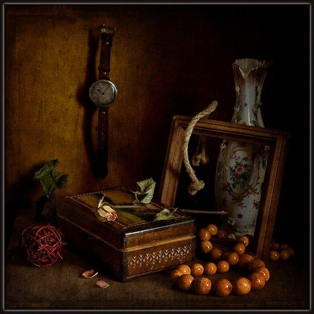 часы, бусы, янтарь, шкатулка, ваза, роза, рамка, ретро, винтаж, Михаил MSH
