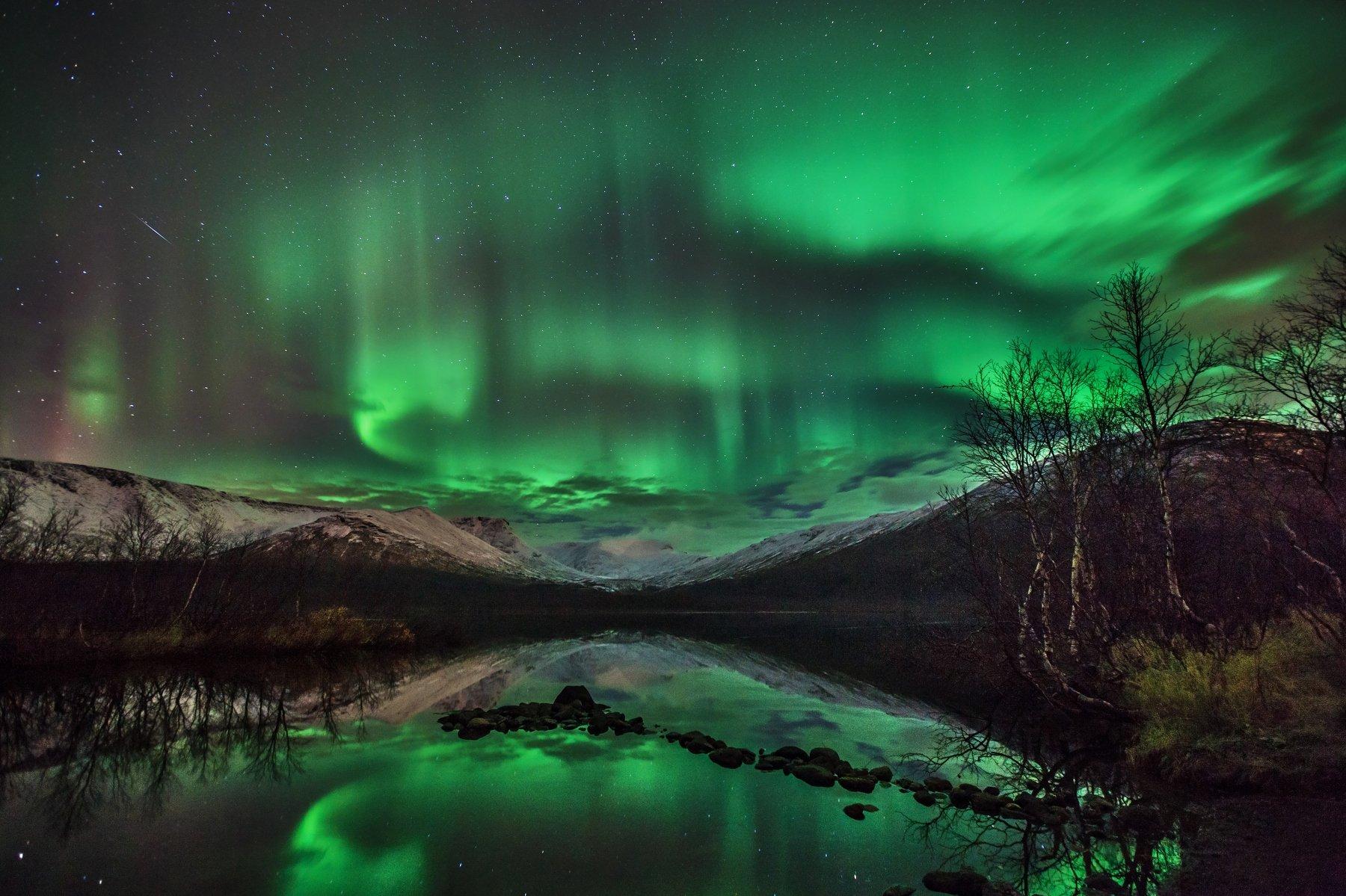 хибины, горы, ночь, сияние, метеор, звезды, небо, осень, озеро, кольский, север, заполярье, путешествие, Григорий Ильин