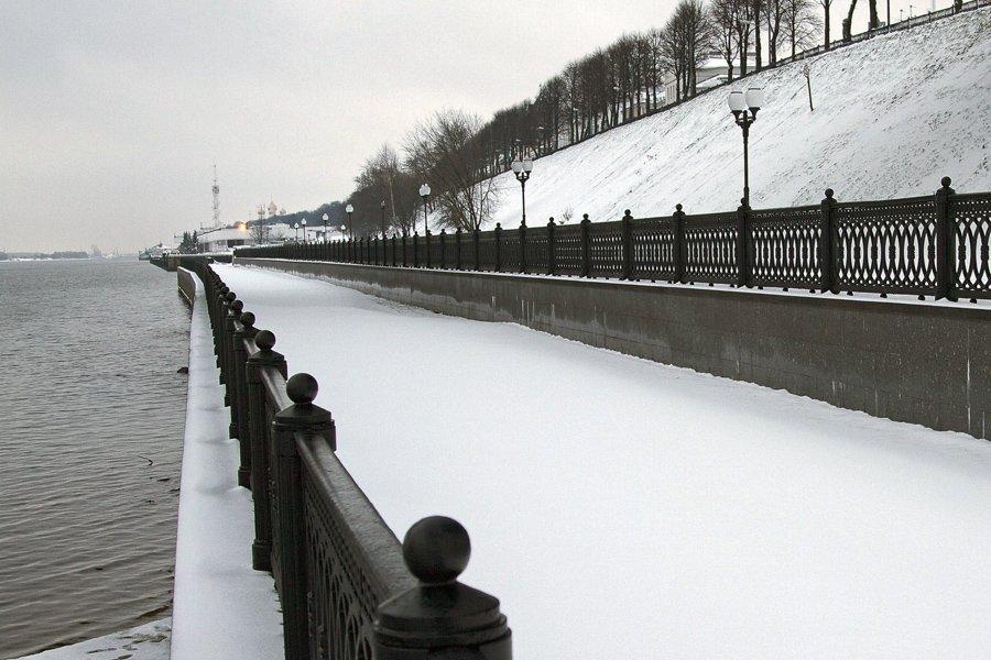 зима,ярославль,набережная,река волга.снег,ограда однако., СПИРИДОНОВ НИКОЛАЙ