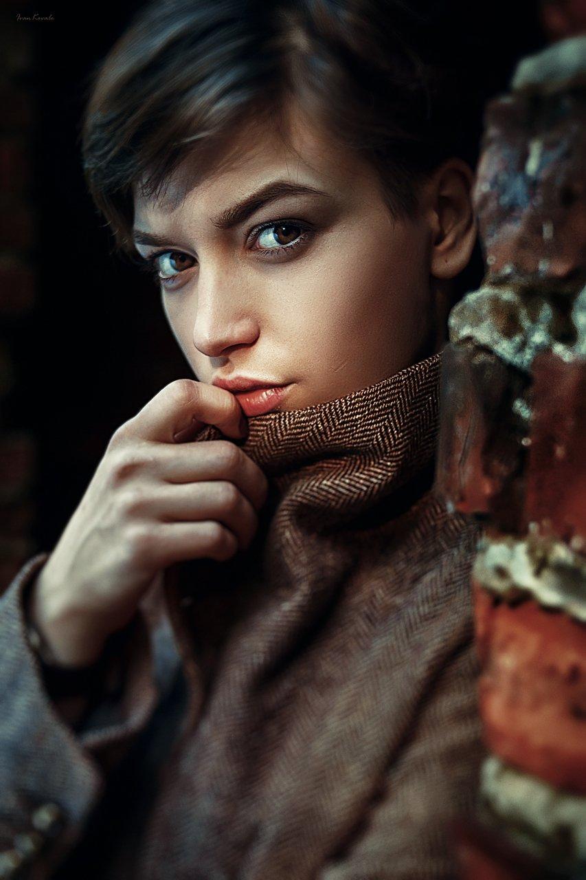 люди, девушка, улица, портрет, брюнетка, взгляд, глаза, кареглазая, пальто, текстура, кино, фильм, тонировка, картинка, молодая, красота, красивая, кареглазая, завод, кирпич, текстура, фотокузница, ivankovale, Ковалёв Иван
