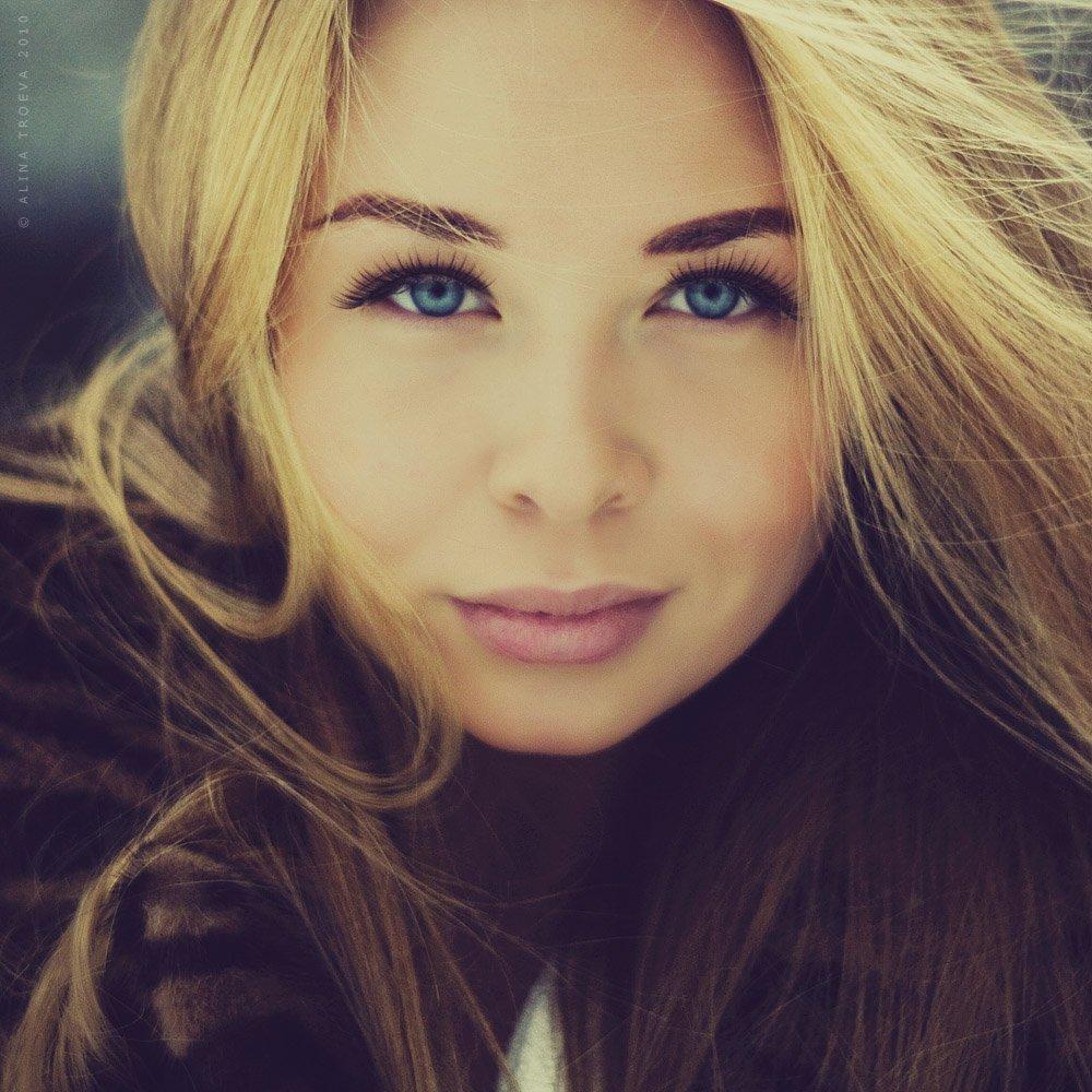 , Алина Троева
