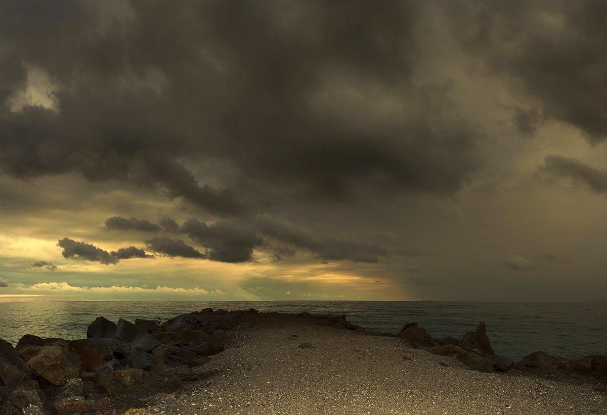 утро, море, рассвет, азовье, приморск, тучи, дождь, Устинова Ольга