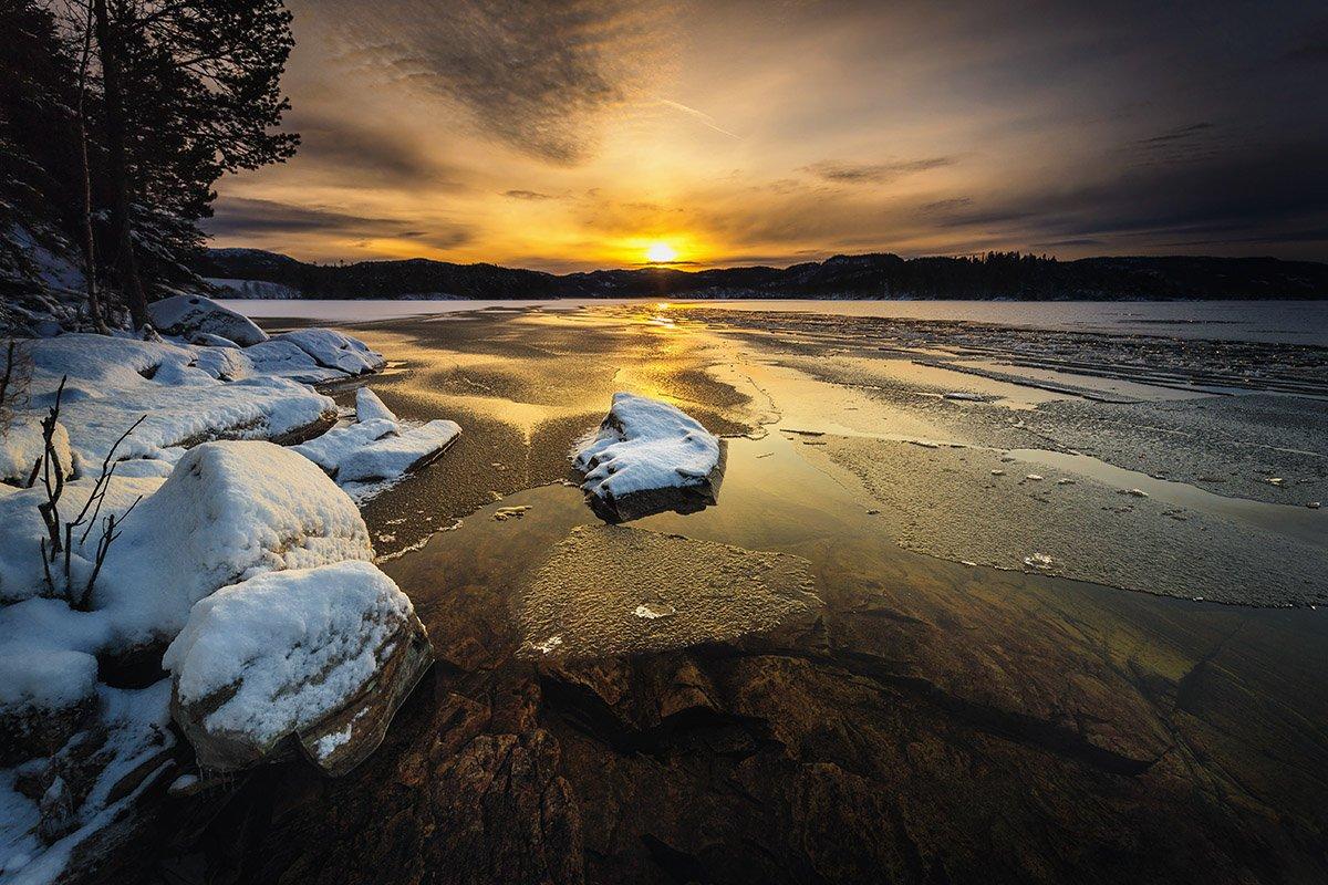winter,lake,freezing,norway,norwegian,sun light, shore, snow, ice, water,, Adrian Szatewicz