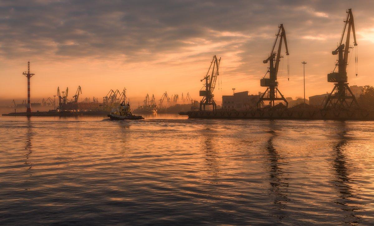 Порт Санкт-Петербург. Гутуевский ковш., Юрий Чернов