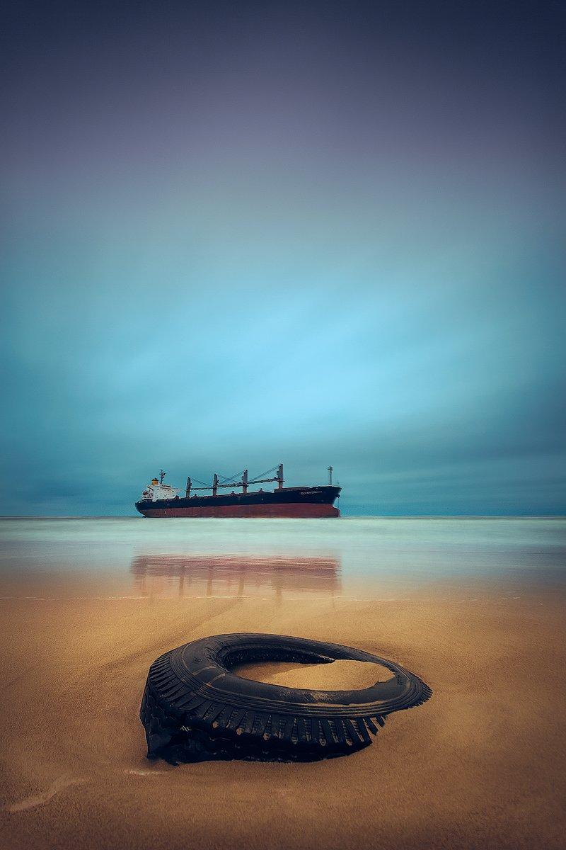 landscape, seascape, baltic sea, vessel, grounded, tire, long exposure, Руслан Болгов (Axe)