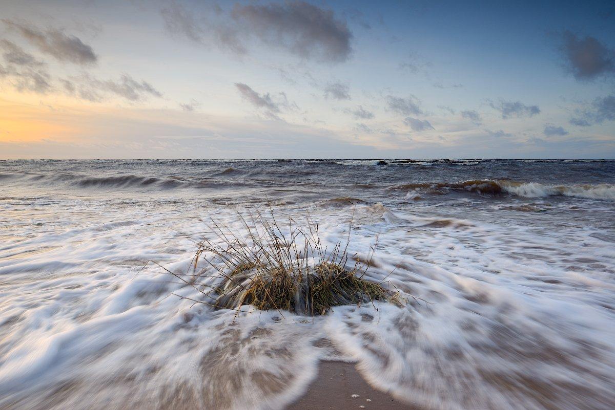 пейзаж, шторм, море, закат, волны, латвия, Алексей Мельситов
