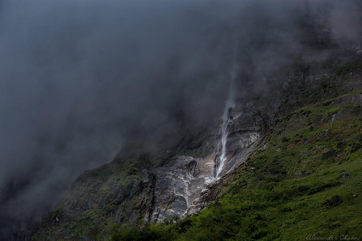 водопад, непал, гималаи, туман, горы, пейзаж ,природа, Александр Чазов