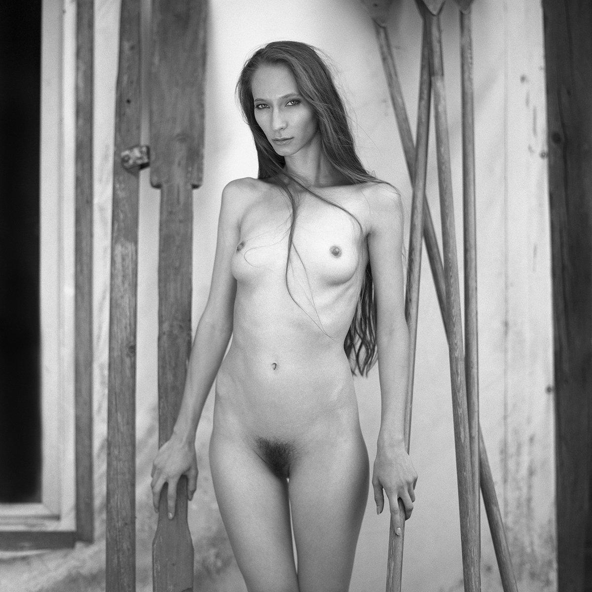 akt, nude, analog, women, hasselblad, ninoveron, fineart, eyes, bw, 6x6,, NinoVeron
