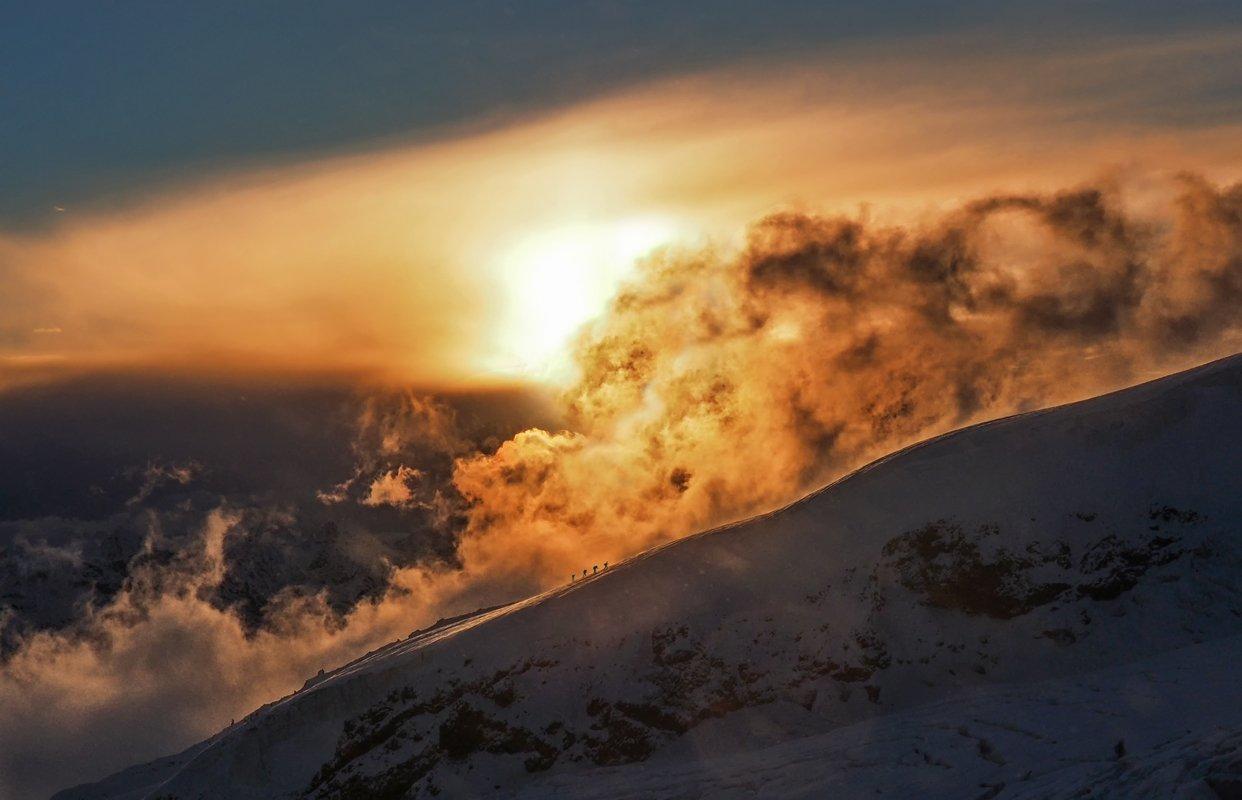 эльбрус, закат, солнце, облака, альпинисты, природа, снег, склон,пурга, пейзаж, рассвет, восхождение, горы, кабардино-балкария,кавказ,4200,небо, Elena Pakhalyuk