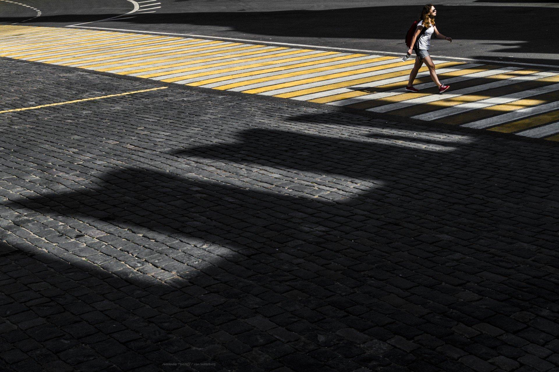 Люди, город, улица, жанр, свет, тени, переход, линии, вечер, человек, , АлександрТутаев