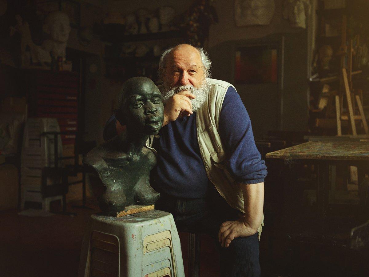 скульптор и его работа..., Дмитрий Баев