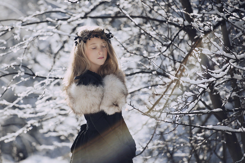 portret, zima, sen, cisza, słońce, dziecko, Anna Ścigaj