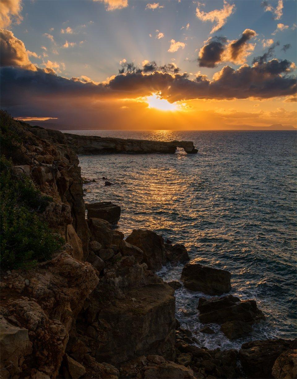 природа, море, пейзаж, скалы, арка, закат, вечер, свет, солнце, прибой, осень, Альберт Беляев