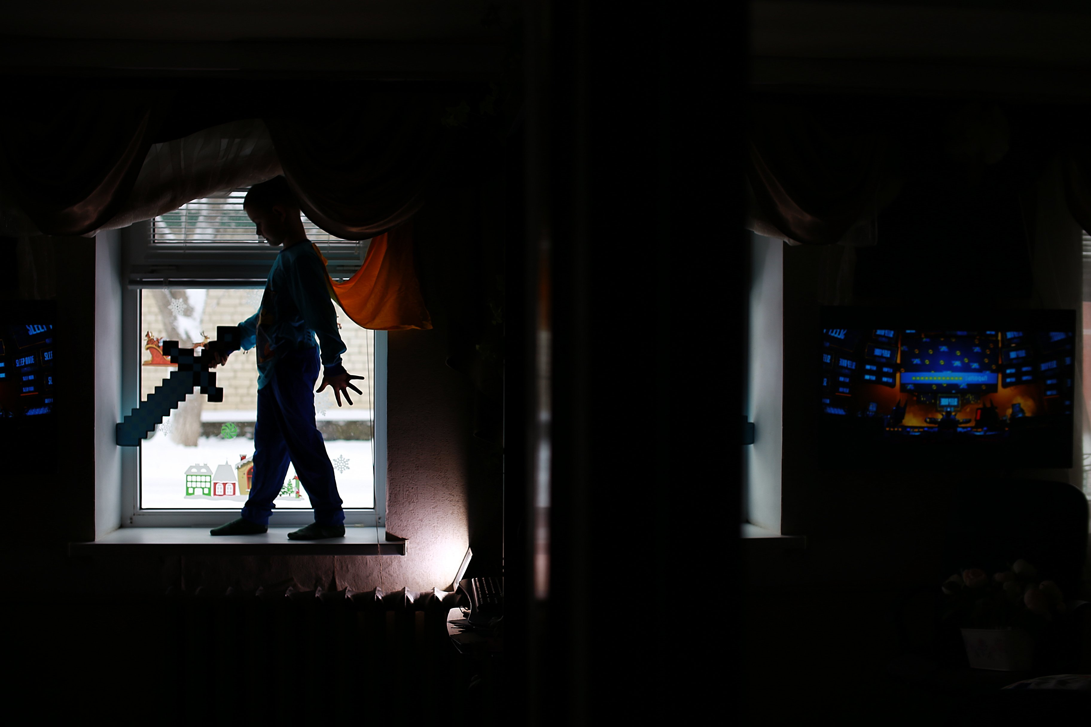 мальчик, контровой свет, детская фотография, Евгения Коригова